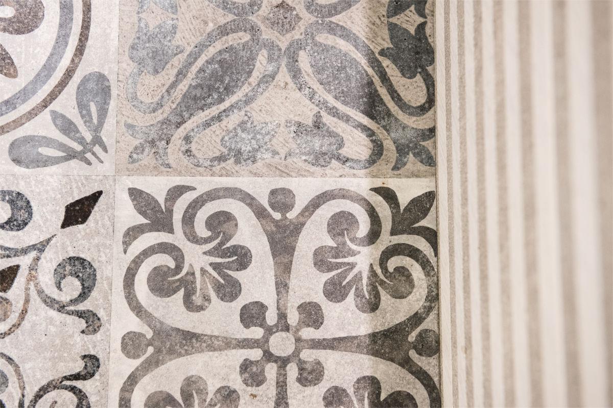 Pavimenti decorati in gres e marmo mb lab ristrutturazioni - Pavimenti decorati ...